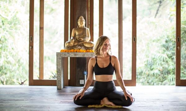 leah meditation buddha 1.jpg