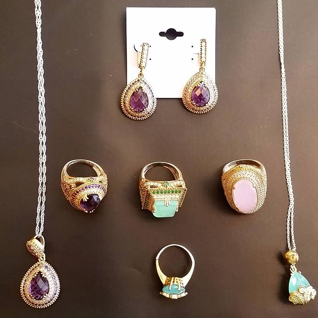 Bling bling!  Call for details on these semiprecious pieces 817-416-1579  #consignment #fancy #fashion #summer #GRAPEVINE #DFW #DALLAS #TEXAS #resale #revolving #closet #consignment #jewelry