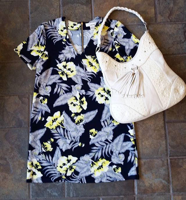 Dressing up for a summer vacay? Come check out Revolving Closet!  DRESS: size:M Price:$28  PURSE:$40  #CONSIGNMENT #FANCY #FASHION #SUMMER #SPRING #purse #dress #consignment #fancy #revolving #closet #consignment #resale
