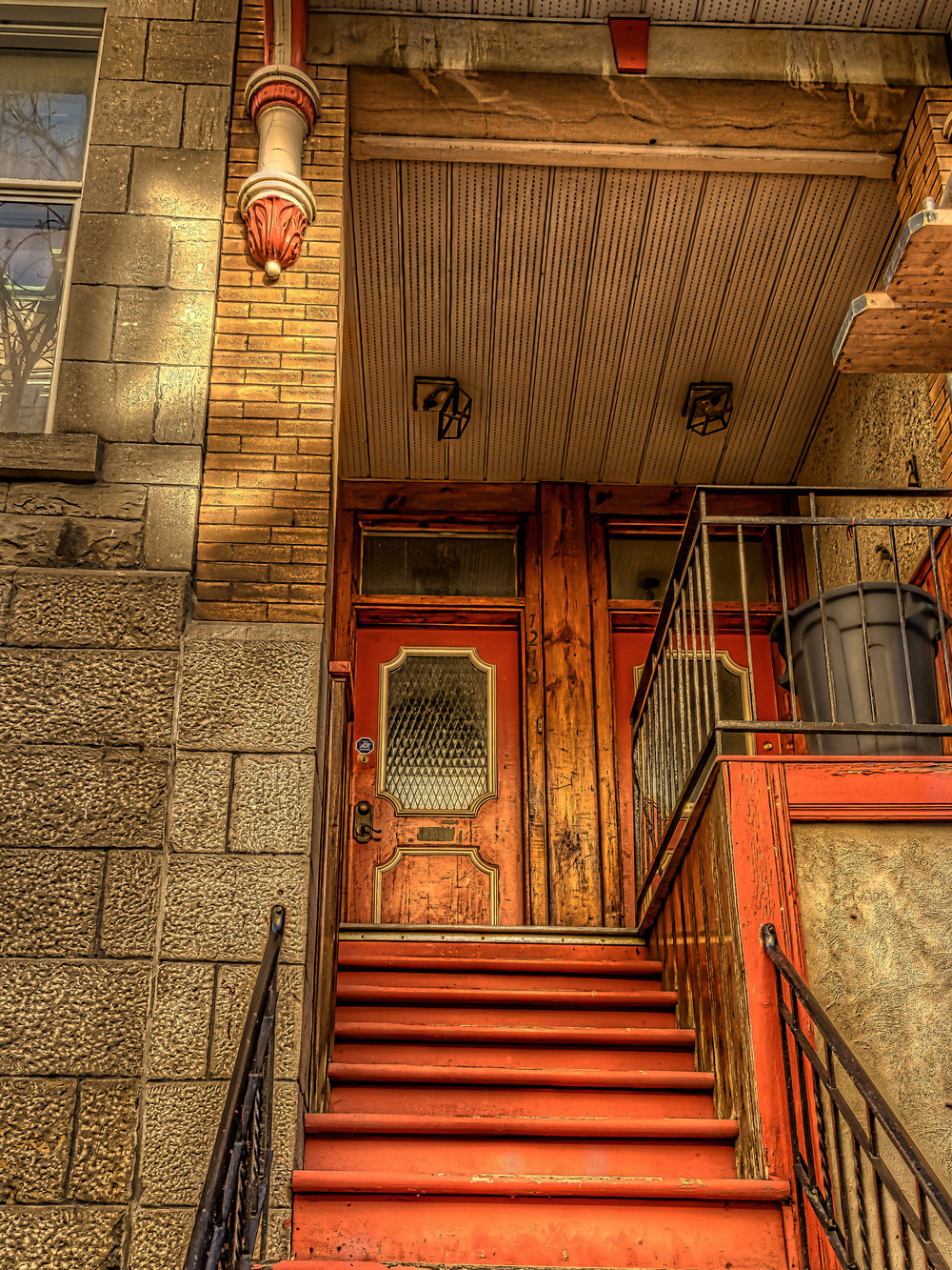 20141026_Photos Walk-Ste. Catherine E-St. Hubert_IMG_9734_5_6tonemapped-M.jpg