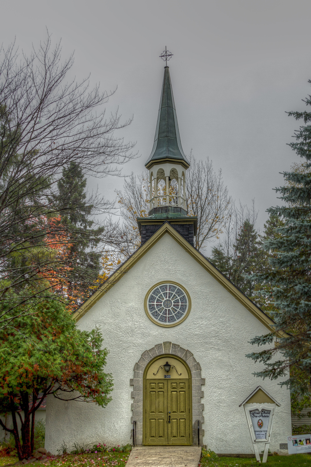 20141004_Sainte Adele - Fall Colors_IMG_6265_tonemapped-M.jpg