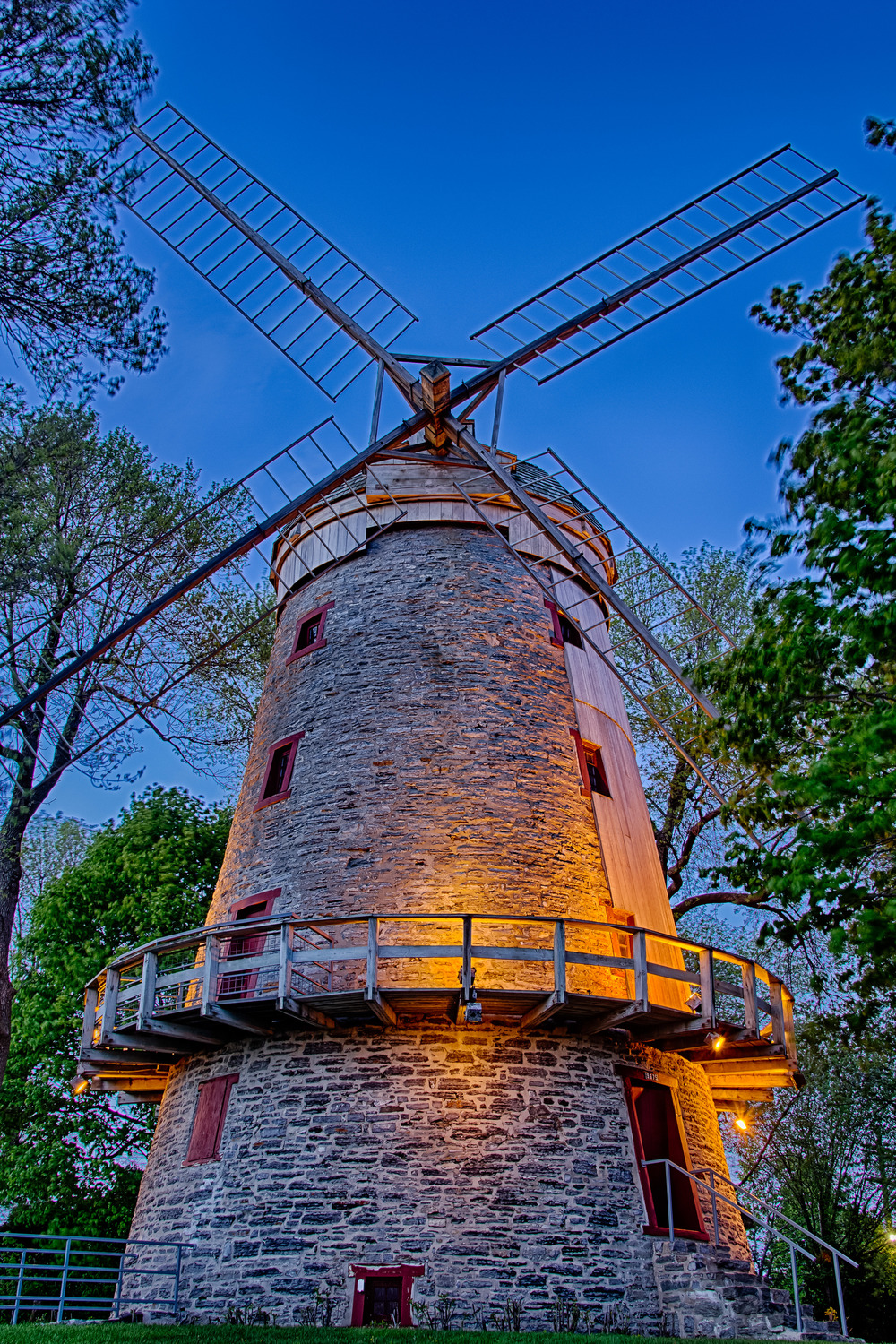 20140518_Windmill in Lachine_IMG_4113_HDR-M.jpg