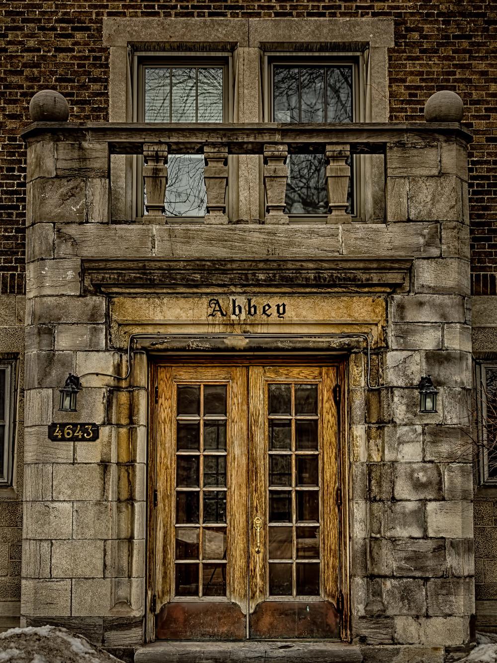20140329_Westmount Architecture Sherbrooke & Lansdowne_IMG_3190_HDR-M.jpg