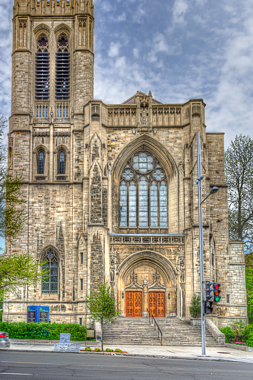 20120512_Montreal in HDR__MG_6466_65_63_62_60_59_58_X-CE.jpg