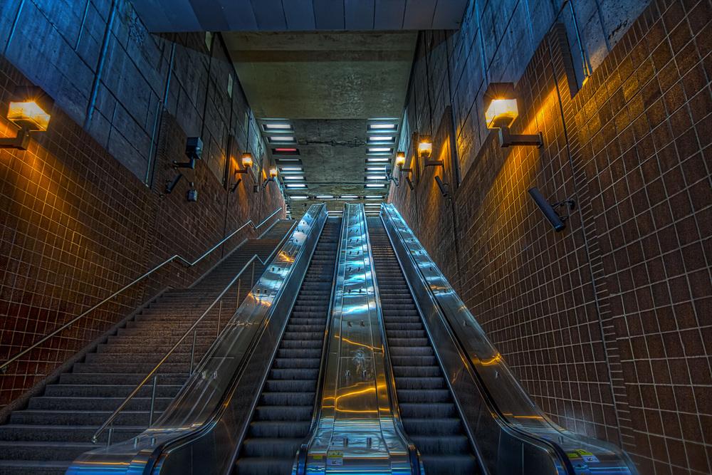 150307_Henri Bourassa Metro  & Art_IMG_0616hdr-2-M-M.jpg