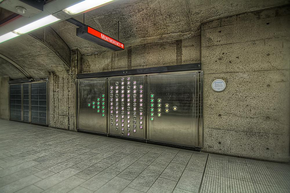 150307_Henri Bourassa Metro  & Art_IMG_0621hdr-M.jpg