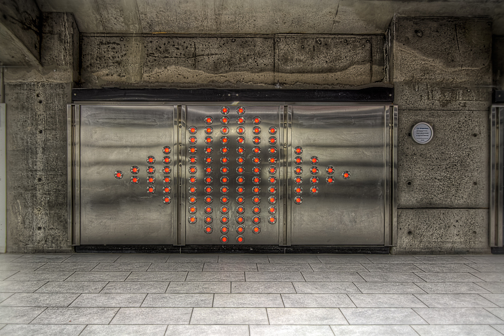 150307_Henri Bourassa Metro  & Art_IMG_0628hdr-M.jpg