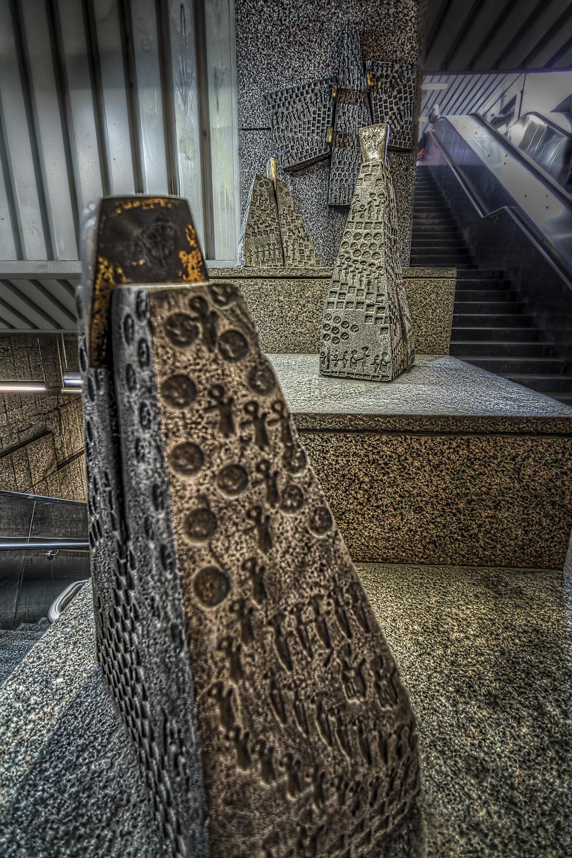 150314_Cote des Neiges_Snowdon_Villa Maria Metro Art0002hdr-M.jpg