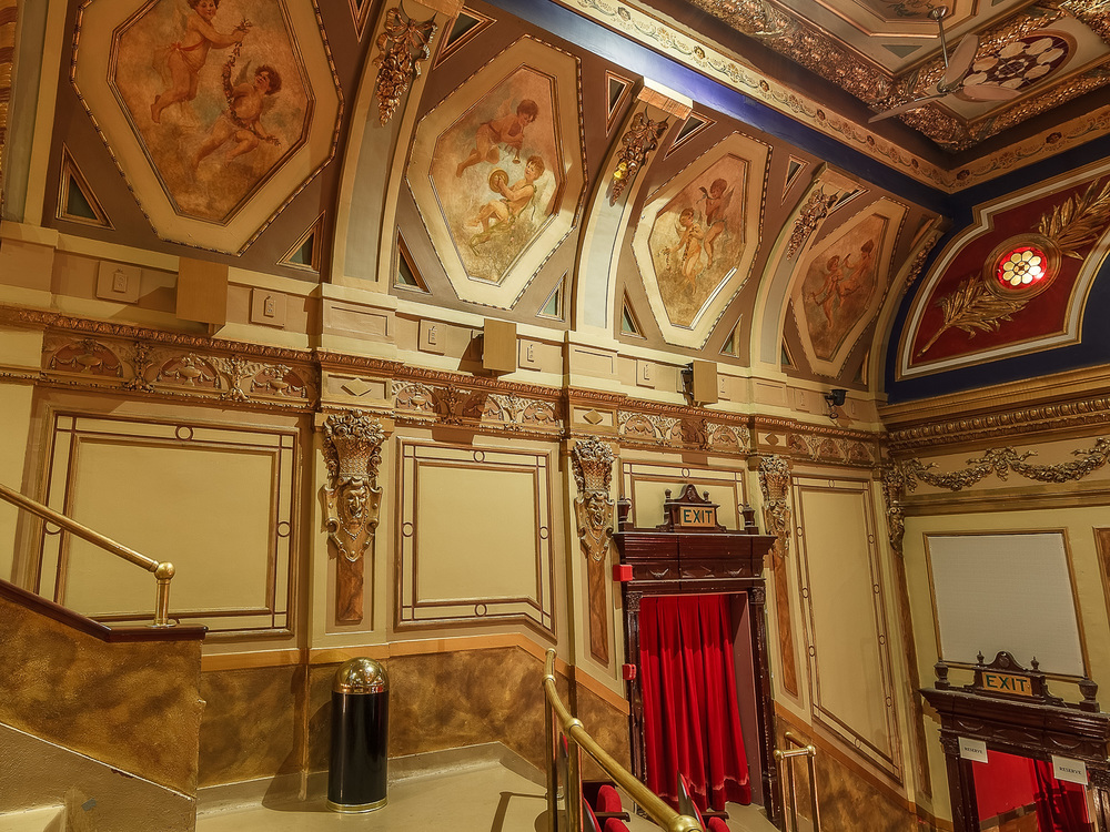 Montreal Architechture_Rialto Theatre_0101-HDR.jpg