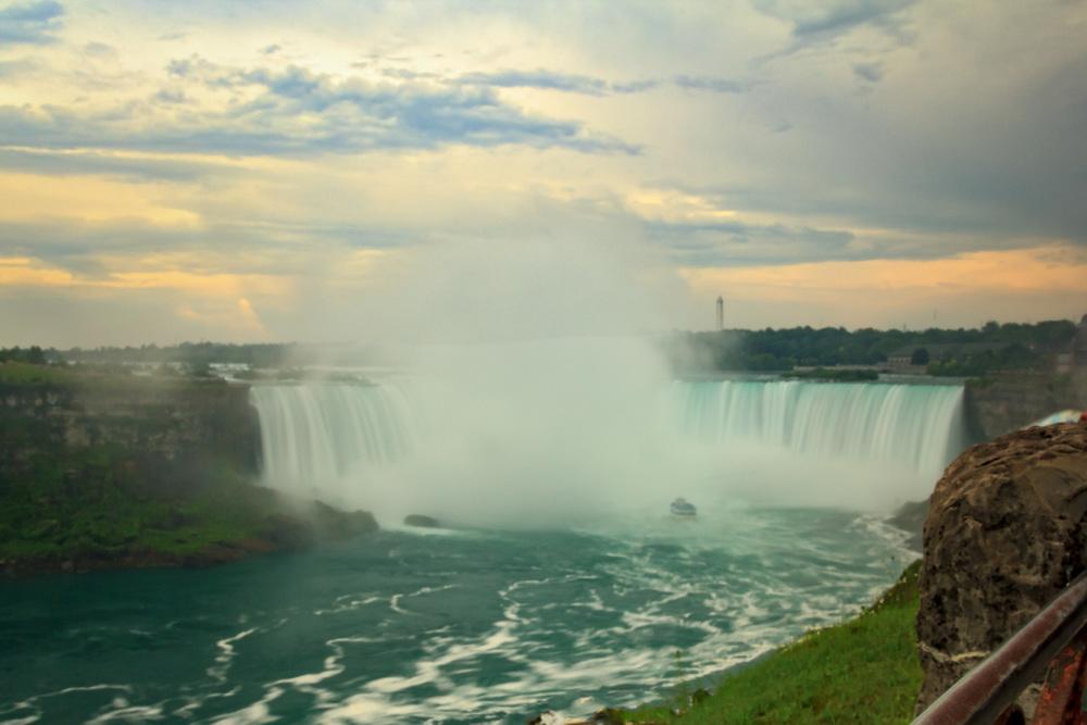 2015-07_19_Niagara Falls_The Falls_0048-M.jpg
