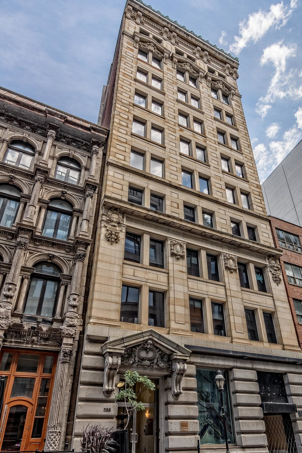 Old Banks-Saint Jacques St. - Old Montreal-7-HDR-M.jpg