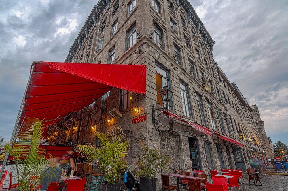 Old Montreal Rainy Day-45-M-M.jpg