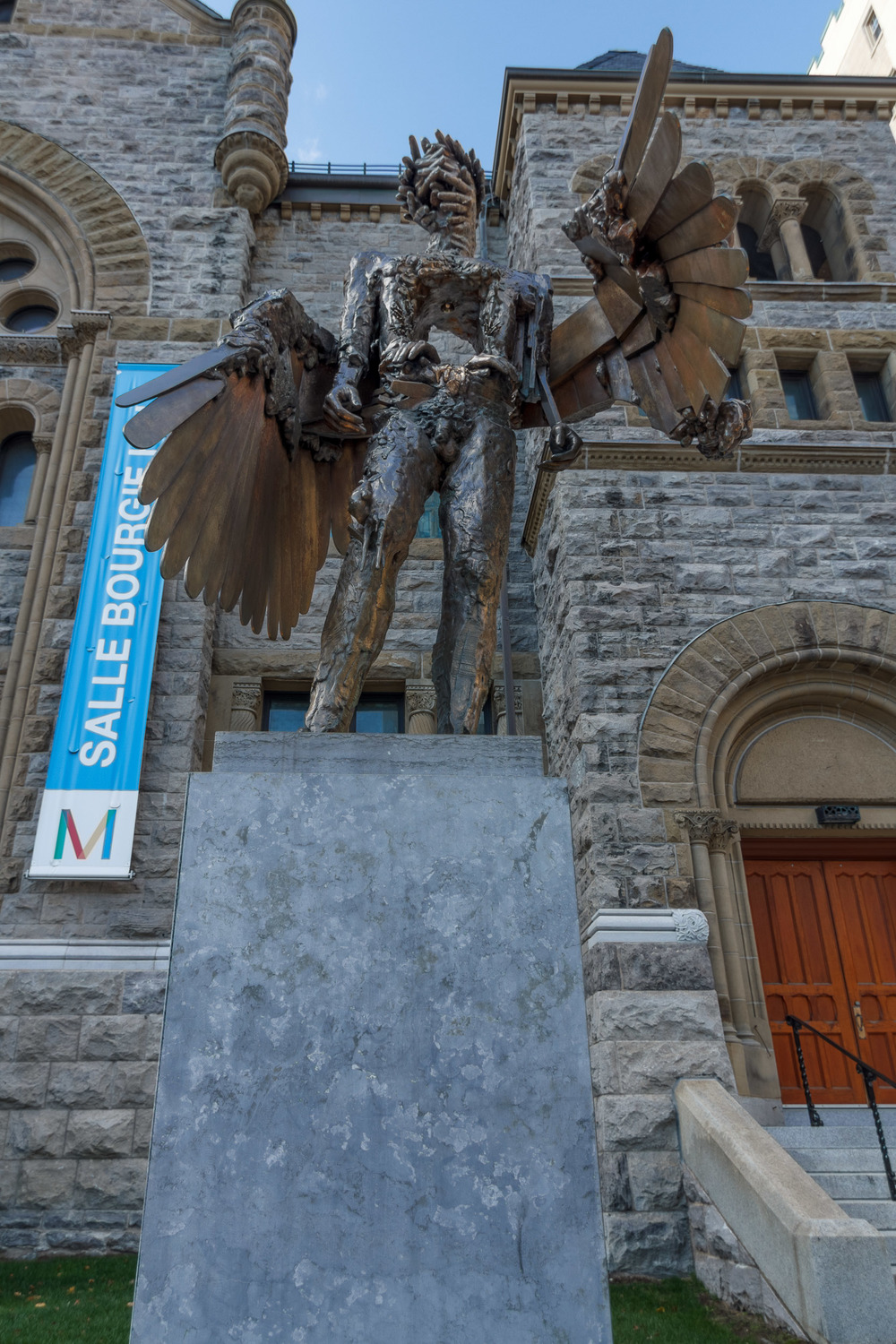 Architecture--Sherbrooke&Crescnet-7-HDR-M.jpg
