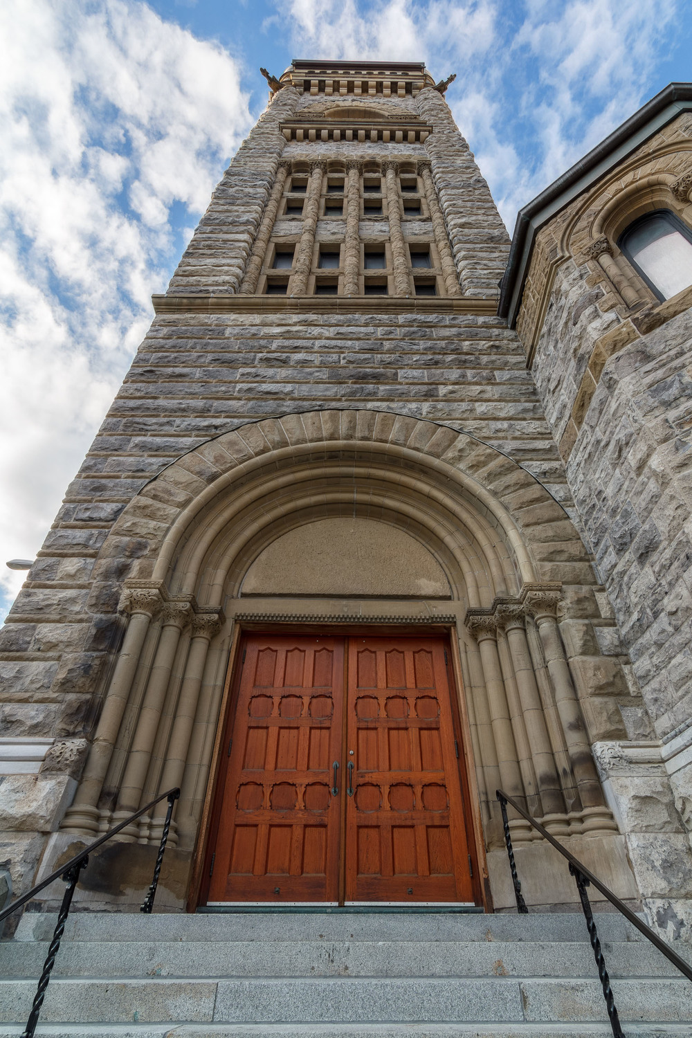 Architecture--Sherbrooke&Crescnet-13-HDR-M.jpg