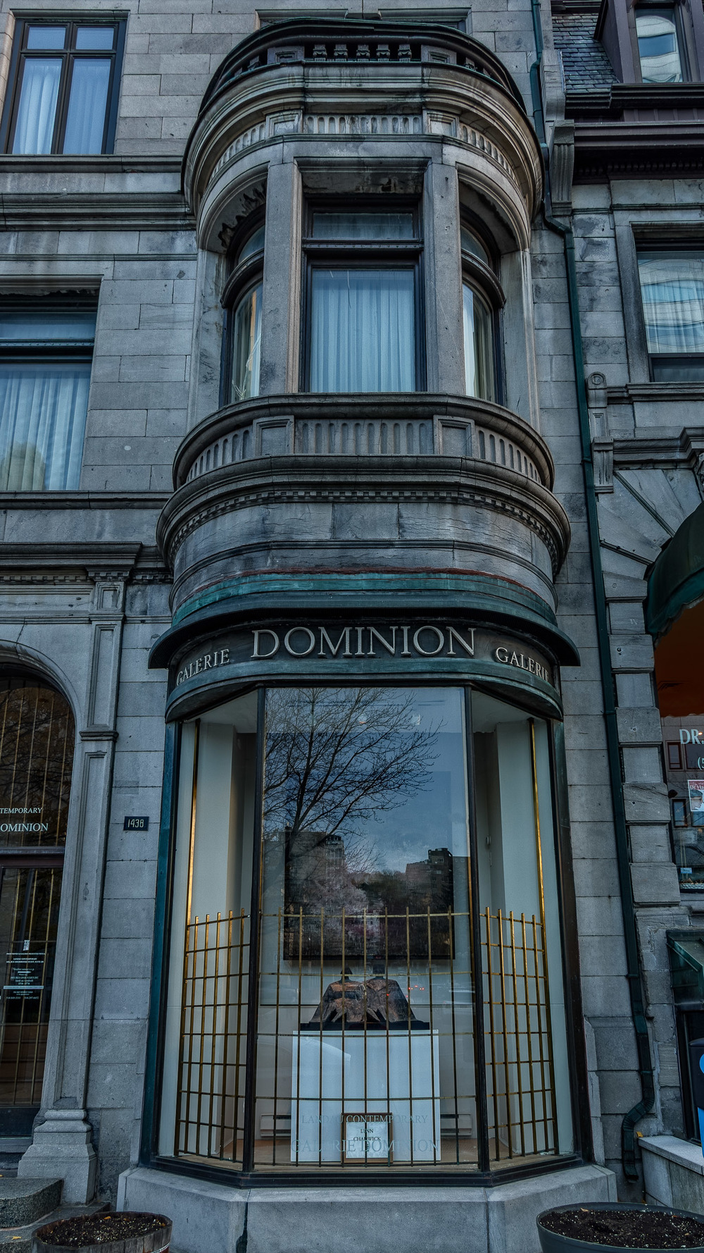 Architecture--Sherbrooke&Crescnet-37-HDR-M.jpg