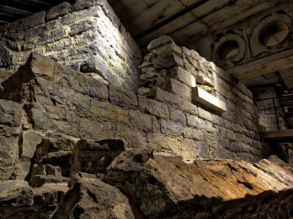 Pointe à Callière Museum-23_AuroraHDR_HDR.jpg