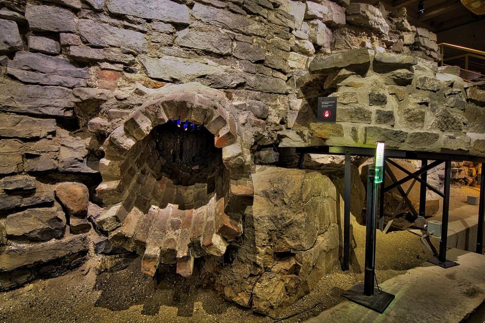 Pointe à Callière Museum-36_AuroraHDR_HDR.jpg
