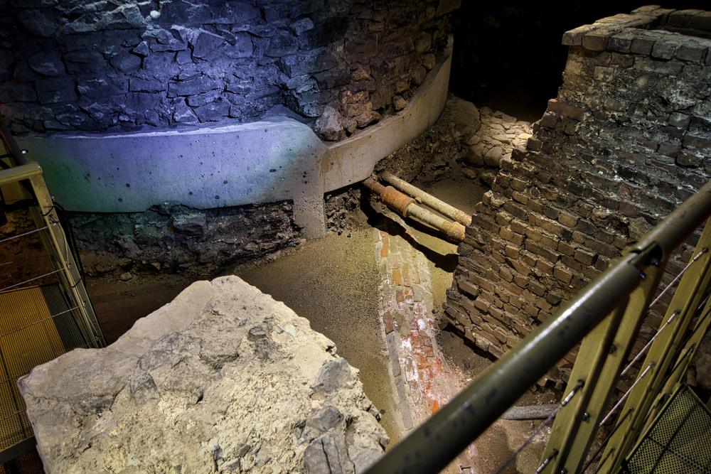 Pointe à Callière Museum-51_AuroraHDR_HDR.jpg