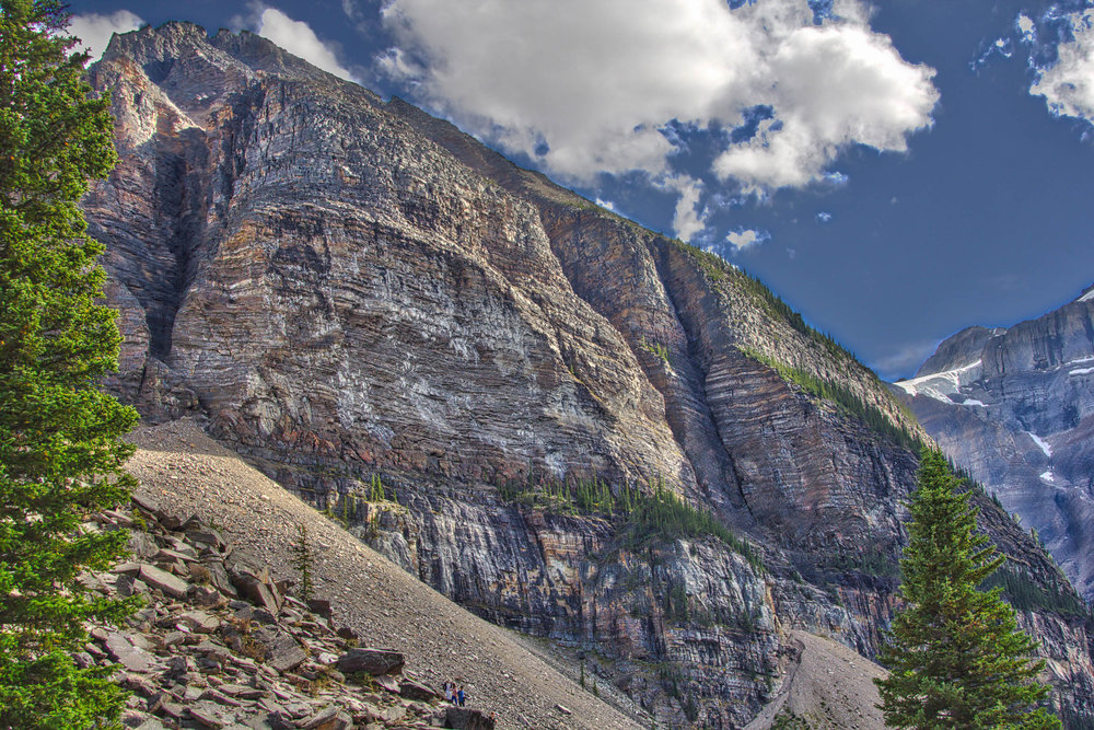 Lake Louise_Lake Moraine_Banff-188_AuroraHDR_HDR.jpg