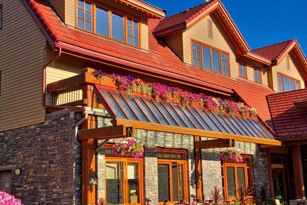 Lake Louise_Lake Moraine_Banff-253_AuroraHDR_HDR.jpg