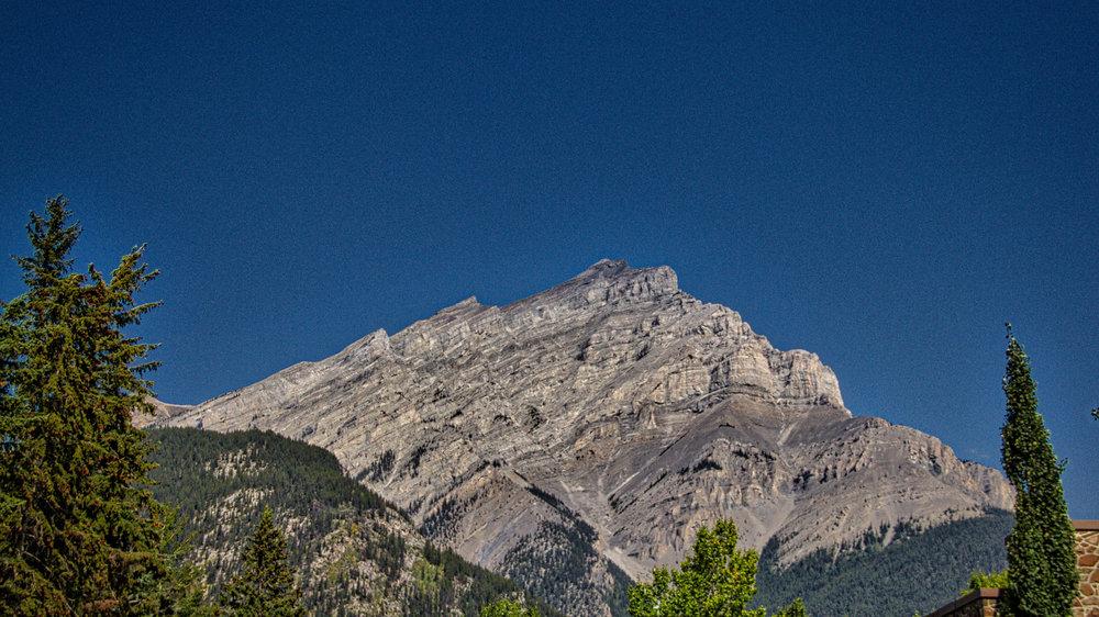 Lake Louise_Lake Moraine_Banff-305_AuroraHDR_HDR.jpg
