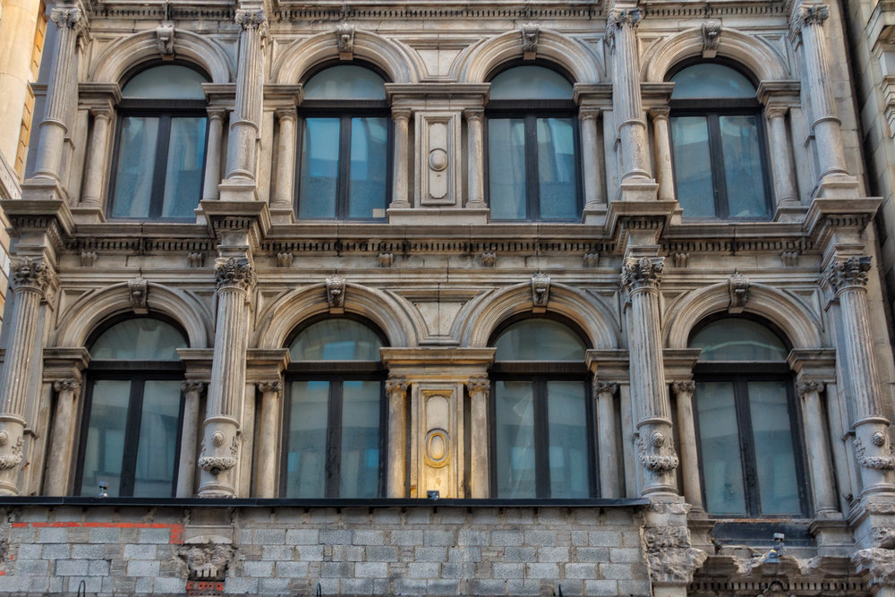 Rue Saint Jacques & Square Victoria-63_Aurora2017_HDR.jpg