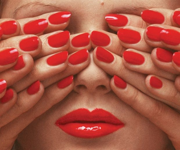 Guy Bourdin 004.jpg