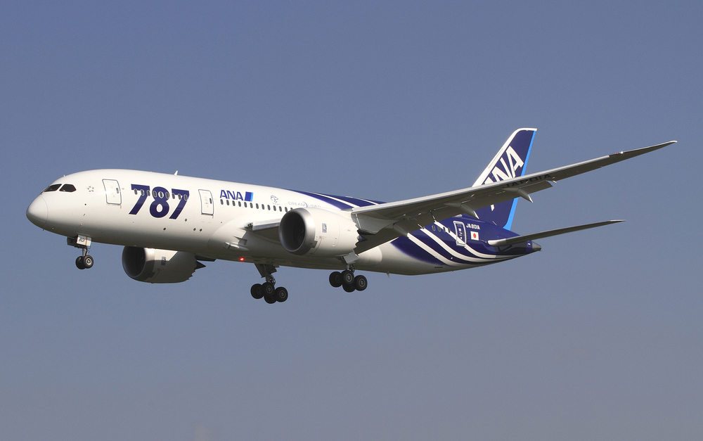 """All Nippon Airways Boeing 787-8 Dreamliner JA801A OKJ in flight"". Licensed under CC BY-SA 3.0 via  Wikimedia Commons"