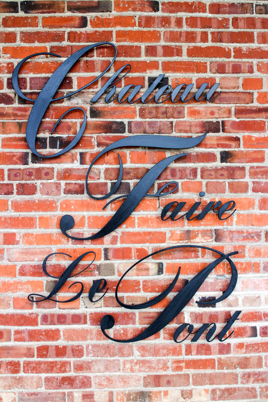 Chateau Faire Le Pont Sign.jpg
