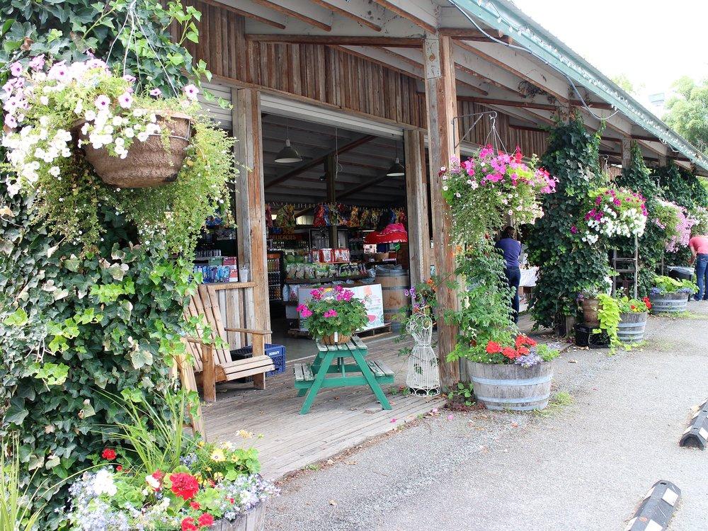 Sunshine Market, Chelan