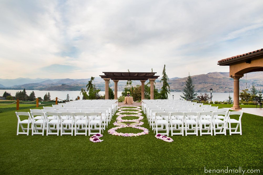 GETTING MARRIED? - It's obvious why Lake Chelan is a hot spot for weddings. Look at the venues and the views that you and your guests will swoon over. With an increase in weddings in Lake Chelan there has been an increase in vendor entreprenuers who bring their talent and skills to the wedding market. See the list below to help you plan for your big day.