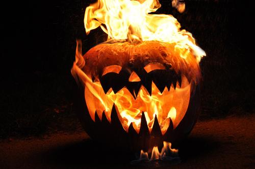 4 more days til halloween, sil-ver shamrock
