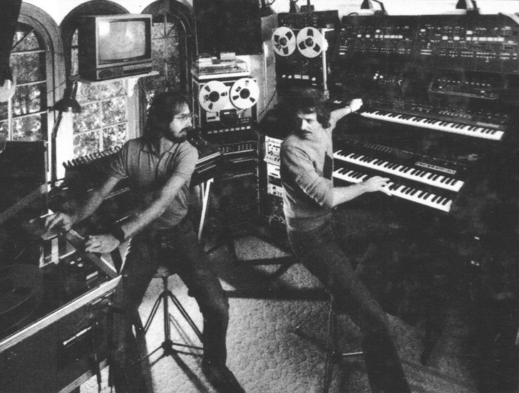Alan Howarth and John Carpenter recording the score to HALLOWEEN III