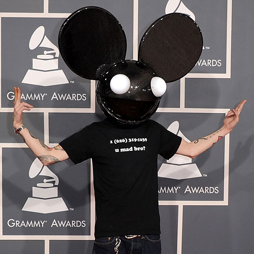 Deadmau5 shows up to the Grammys with Skrillex's phone number on his shirt.