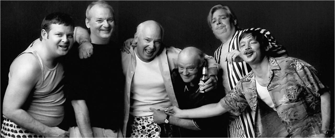jonahray :      MURRAY BROTHERS.     (L-R) Joel Murray, Bill Murray, Ed Murray, Brian-Doyle Murray, Andy Murray, John Murray(?)