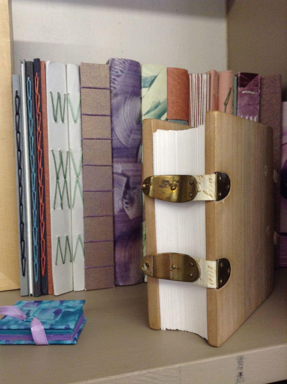bookshelf photo .jpg