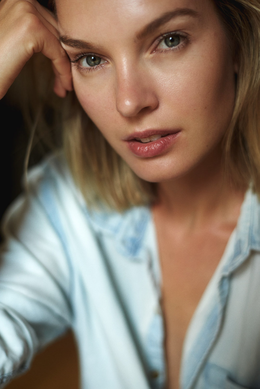 Ana Kondratjeva - Not a native, but a New Yorker -Ana Kondratjeva;viaWilhelmina New York,Photographs:Dave Blake.Location: Hells Kitchen, Manhattan ...❀ follow us on Instagram❀@theanaville,@wilhelmina_main,@daveblakephoto