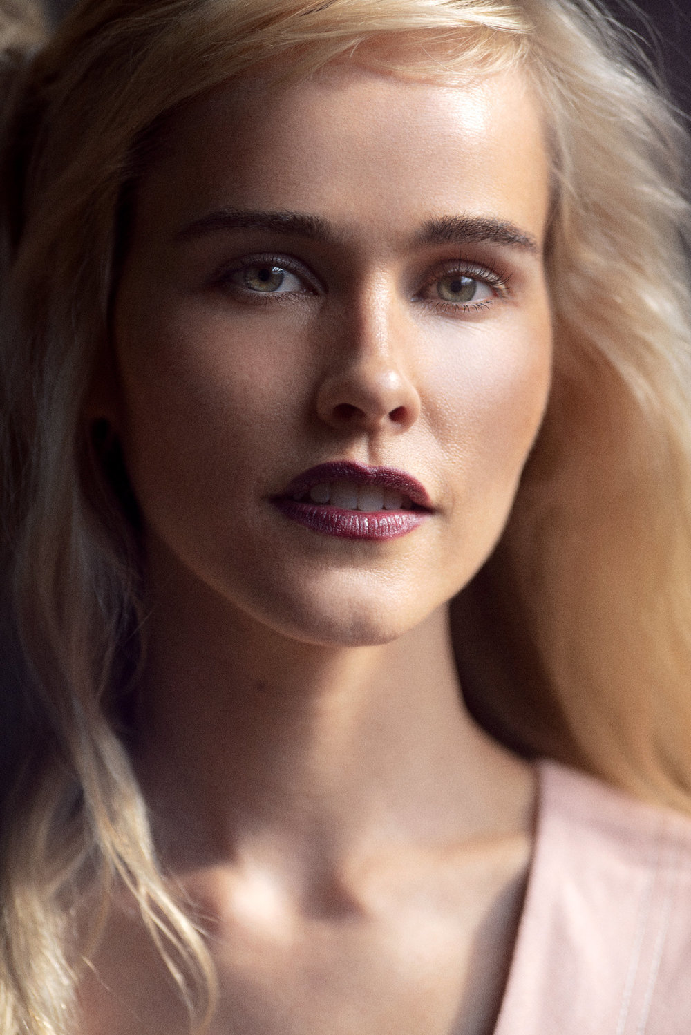 LEE MATHEWS R'19 - BEAUTY & DETAILS; Lee Mathews Resort '19 for Remix | Photographs by Dave Blake. Cover beauty Isabel Lucas photographed in the window light after the show #mbfwa #resort19