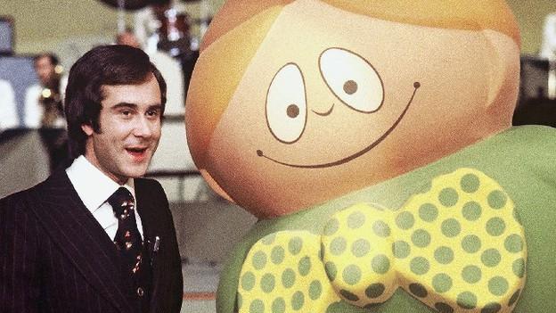 Kurt Felix and his mascot companion in Hannes Hug's «Generation Teleboy»