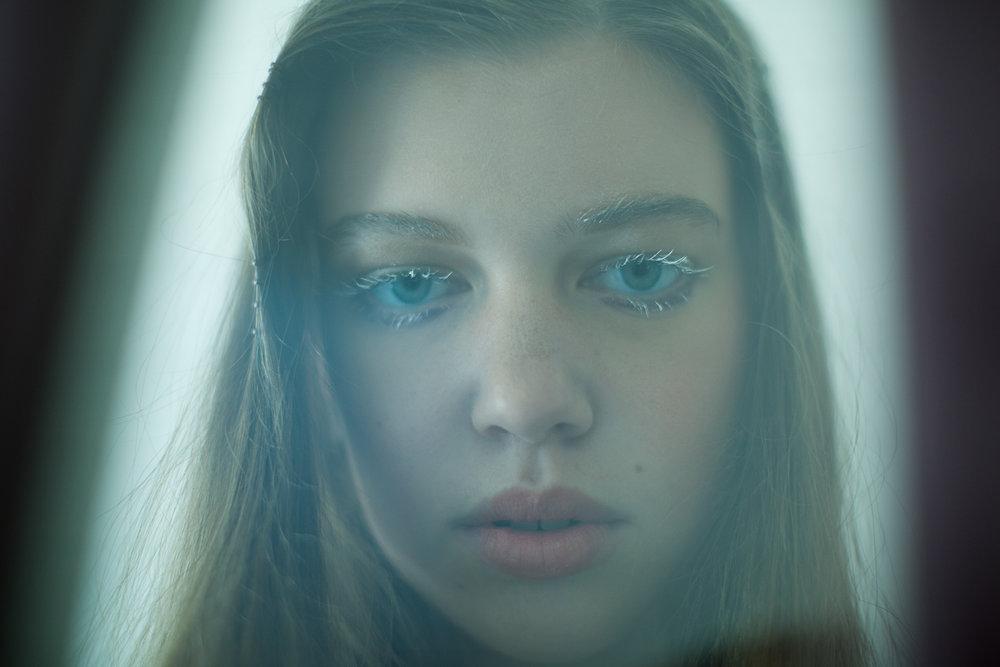 KC-Kat-Kaye-Best-portrait-photography-photographer-white-eyelashes-clumped.jpg