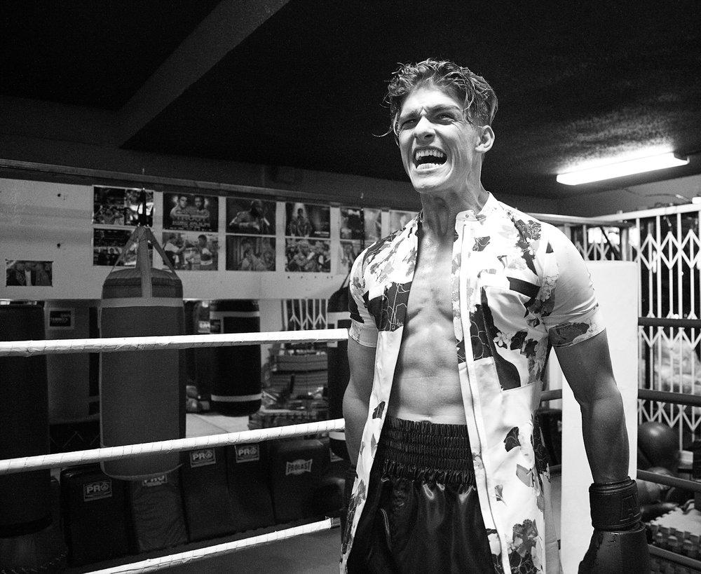 Kat-Kaye-Austin-Victoria-luomo-vogue-hommes-lofficiel-2017-2018-boxing.jpg