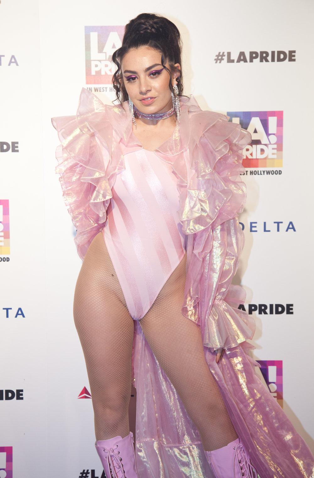 239_Web_Pride-celebrity-photographer-2016.jpg
