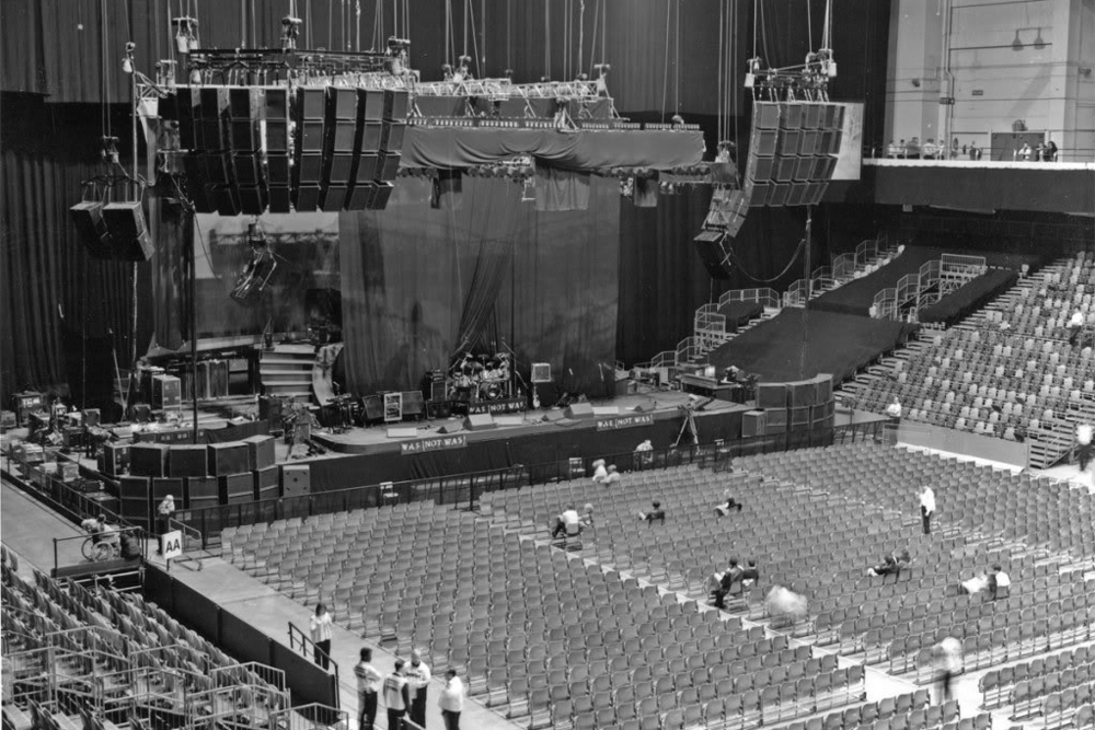 Preparations for a Dire Straits show in Earls Court. 1991.