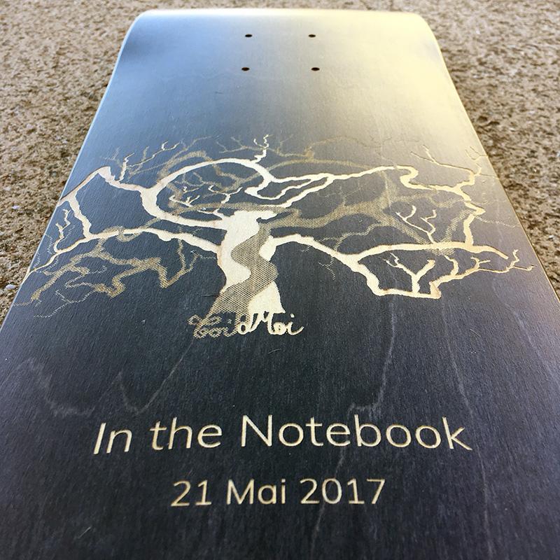 skateboard personnalisé cadeau.jpg