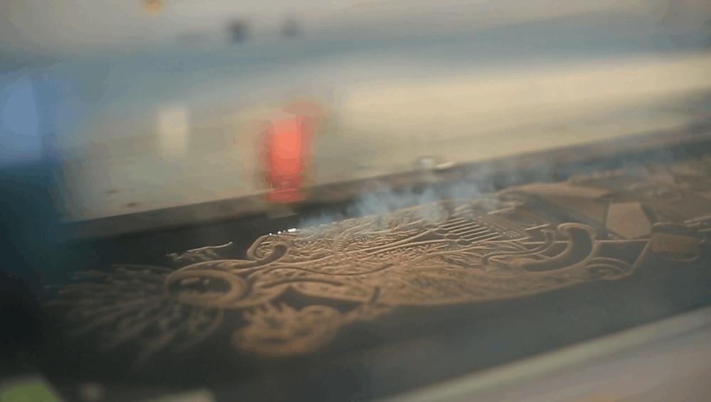 laser engraving skateboard