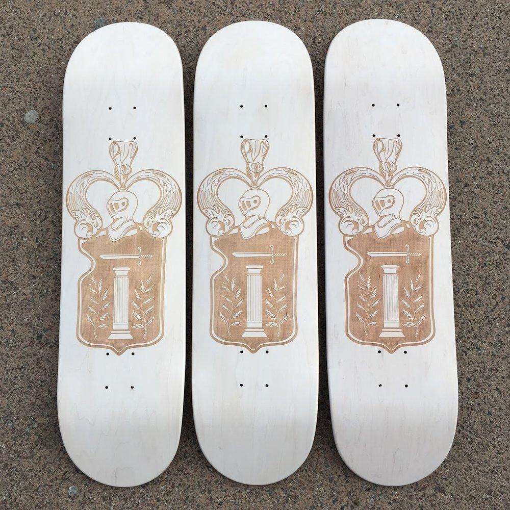 skates customs armoiries monégasques
