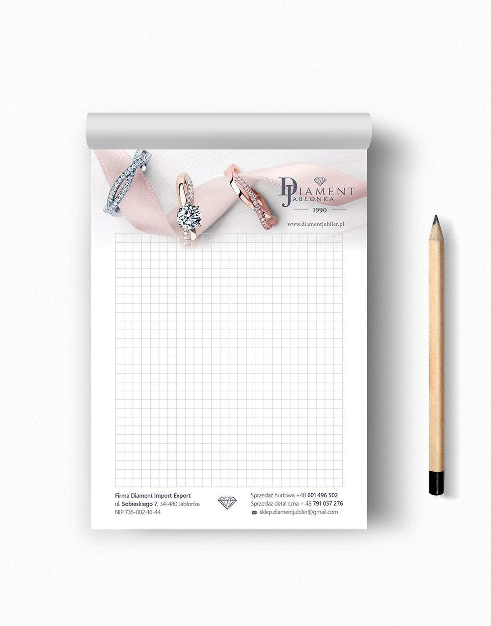 Przygotowanie i druk notesów A5, klejenie po krótszym brzegu, papier offset 90g, plecki karton