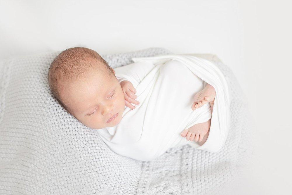 HaleyKingCo_Newborn_Luke_Wauwatosa_8.jpg