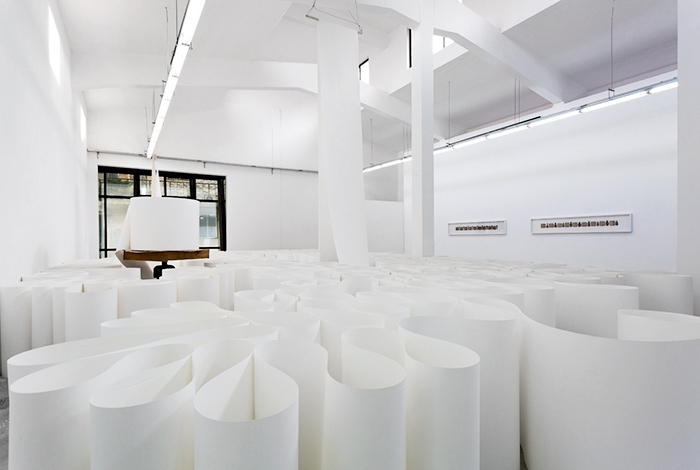 Installation view, Meaning Matter, Magda Danysz Gallery (Shangai), curated by Pauline Foessel