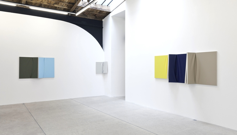 Installation view, Diffuse Reflection, Galerie Frank Elbaz